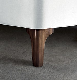 metal-leg-bed